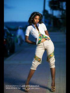 Xoxo Ethiopian Beauty, Ethiopian Dress, Ethnic Fashion, African Fashion, Ethiopia People, Ethiopian Wedding, African Design, African Beauty, International Fashion