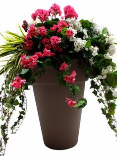 Stunning artificial planting display Available in various size and colors. Artificial Flowers Outdoors, Artificial Boxwood, Outdoor Flowers, Fake Flowers, Artificial Plants, Geranium Flower, Church Flower Arrangements, Window Boxes, Hanging Baskets