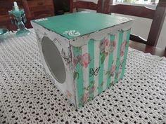 Mostrar detalles para Caja de galletitas flores Ideas Para, Liberty, Mixed Media, Crafts, Vintage, Boxes, Decorate Bottles, Painted Tin Cans, Recycled Tin Cans