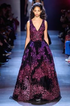 Prabal Gurung Fall 2019 Ready-to-Wear Fashion Show - Vogue Style Couture, Couture Fashion, Runway Fashion, Vogue Fashion, Evening Dresses, Prom Dresses, Formal Dresses, Fashion Week, High Fashion