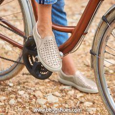 Ladies Slip On Trainers, Beige Trainers, Bags 2014, Ladies Slips, Hot Shoes, Slip On Sneakers, Skechers, Shoes Online, Leather Men