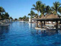 1 of 4 pool bars at Mayan Palace