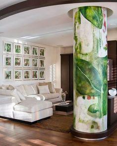07/10 Para rematar esta propuesta de color, se realizó un mural en unas de las columnas del departamento. #lajollaph #acapulco #diseño #design #interiores #interiors #color #diariodeunadiseñadora