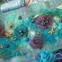 Want to try needle felting but not sure how, what you need, or where to start? Needle felting for the beginner.