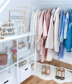 Modern Wardrobe Designs For The Modern Era - Decorology Teen Room Decor, Bedroom Decor, Sala Glam, Boutique Interior, Glam Room, Closet Bedroom, Wardrobe Design, Modern Wardrobe, Fashion Room