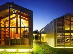 3. Une maison design en bois et verre : la maison de nuit