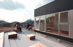 Gallery - House of Bank and Roof / Masao Yahagi Architects - 1