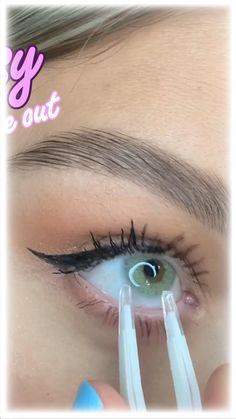 Eyebrow Makeup Tips, Makeup Videos, Skin Makeup, Best Colored Contacts, Change Your Eye Color, Makeup Is Life, Pinterest Makeup, Beauty Make Up, Beauty Hacks