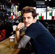 Imagine sitting at a bar and looking to your right and there he is. John Mayer, Beautiful Men, Beautiful People, John Clayton, John 3, Dear John, Hollywood, Scene Photo, Look At You