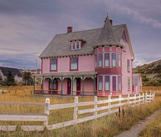 Pink house in Twillingate, Newfoundland. Looks like it would be fun to live in :) Newfoundland Canada, Newfoundland And Labrador, O Canada, Canada Travel, Nova Scotia, Quebec, Alaska, Victorian Style Homes, Barns