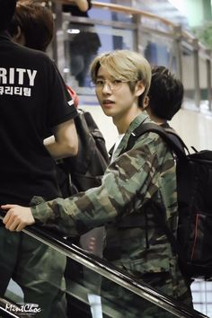 who said renjun could grow up I remember when he was singing chewing gum with the rest of nct dream loOK AT HIM NOW Nct 127, K Pop, Johnny Seo, Huang Renjun, Wattpad, Na Jaemin, Fandoms, Winwin, Read News