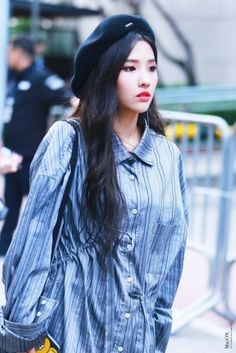 soyeon South Korean Girls, Korean Girl Groups, Fandom, Extended Play, Cube Entertainment, Soyeon, Kpop Outfits, Minnie, Girl With Hat