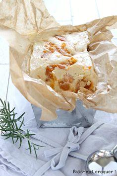 Une délicieuse crème glacée au mascarpone et à l'abricot aromatisée à la vanille et au romarin !