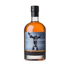 """GLENDALOUGH OLD IRISH WHISKEY 7 AÑOS  ha sido envejecido en barriles ex-Bourbon. Es un whisky """"non chillfiltered"""" no ha sido tratado con muy bajas temperaturas antes del embotellado. Fue introducido en el mercado el verano de 2014. La destilería está en funcionamiento desde ese mismo año. Este embotellado proviene de whisky comprado a otra destilería, que según los informes, se trata de Bushmills."""