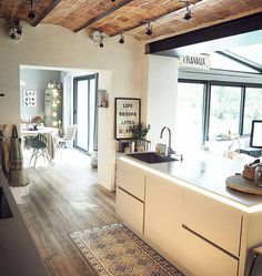 "2,115 Me gusta, 10 comentarios - Trucosparadecorar (@trucosparadecorar) en Instagram: ""Buenos días Truqueros! Os deseo a todos una feliz semana de Otoño #cocina #kitchen #luz #chic…"""