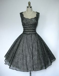 50s dress (Vintage Studio -ebay)