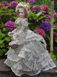 ~ Very Rare Poupee by Brasseur - Videlier in Fantastic Gown / 1863 ~