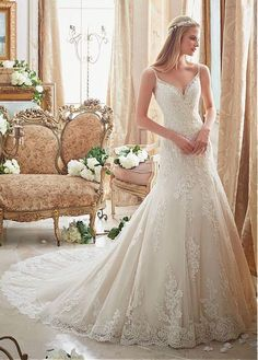 Delicate Tulle Spaghetti Straps Neckline A-line Wedding Dresses With Sequin Lace Appliques