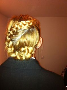 Dutsh braid... my Best Friend did this! how cool!