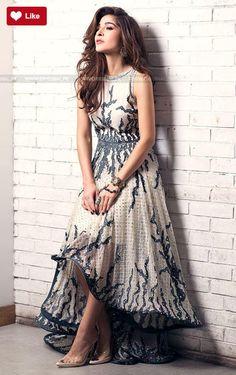 Teena Durrani Luna Luxury Pret Contemporary 2017 #Teena Durrani #Teena DurraniLuna #Teena DurraniLuxury Pret Contemporary #Teena Durrani2017 #Teena Durranifashion #womenfashion's #fashion #lasdiesfashion #style #fashion #womenfashion Whatsapp: 00923452355358 Website: www.original.pk
