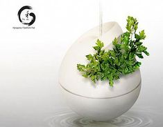 Hydroponics Flowa is a hanging hydroponic pot with Bio-dynamic interior to help maximize/increase water circulation to revitalize and oxygenate water without the use of air pumps. This product was inspired from John Wilkes's Flowforms. Indoor Aquaponics, Hydroponics System, Aquaponics System, Hydroponic Growing, Hydroponic Gardening, Gardening Tips, Smart Garden, Easy Garden, Garden Ideas