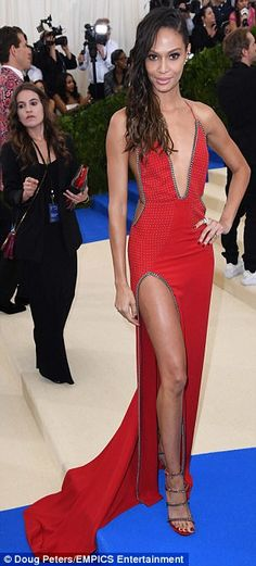 Move over, Gisele! Gigi, Bella, Kendall and Hailey rule the Met Gala #dailymail