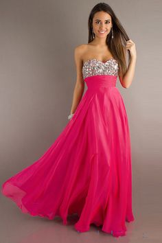OMG not even in high school yet but I want this prom dress! So gorgeous<3