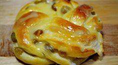 Самые вкусные булочки с изюмом и апельсиновой глазурью