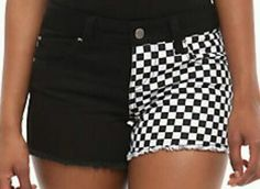 New hot topic short i orderd black and white checkerd