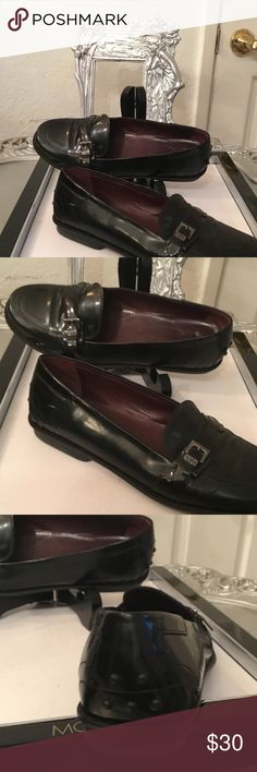 TODS LOAFERS. BLACK TODS LOAFERS.USED.leather..silver  tods buckle logo on the side. TODS Shoes Flats & Loafers