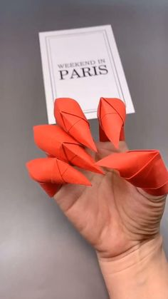 Origami Claws, Origami Simple, Instruções Origami, Origami And Kirigami, Origami Videos, Oragami, Origami Boxes, Dollar Origami, Origami Dragon