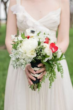 Nautical and garden inspired bouquet by Julia Rohde Designs | Chelsey Boatwright Photography