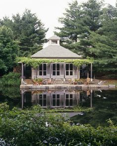 .:  lake house  :.