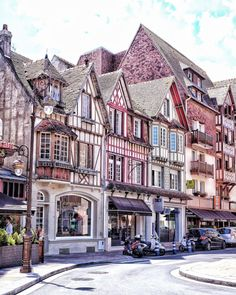 A quick guide to Deauville and Trouville Sur Mer, Normandy, France