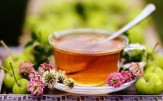 Chá de Trevo-dos-prados Para Combater a Menopausa