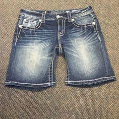 Miss Me mid-shorts Style no JP5558d. Color dk 200. Excellent condition Miss Me Shorts Jean Shorts