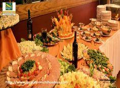 En el Hotel Quality Inn, nuestro versátil menú esta hecho con los ingredientes de la más alta calidad, donde ponemos a sus órdenes nuestra gastronomía especializada En la Cafetería Degá, con un ambiente inmejorable, cálido y con un óptimo servicio, podrá desarrollar la cita de negocios que usted esperaba o una agradable reunión familiar. Para reservaciones entre a: http://www.qualityinnchihuahua.com. Venga a Chihuahua y disfrútela. #ah-chihuahua