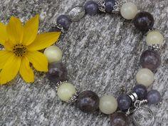 Biżuteria - piękno i kamienna prostota
