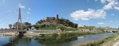 #Fuengirola, de fundación fenicia, fue habitada por púnicos, romanos, visigodos y árabes, hasta su incorporación definitiva a la Corona de Castilla en 1485. Fue Suel romana y Sohail árabe. Frenado su desarrollo debido a la intensa piratería que sufrió la zona, se constituyó en municipio tras segregarse de Mijas en 1841. En la actualidad es uno de los más importantes centros turísticos de la Costa del Sol. Su principal monumento es el Castillo de Sohail.