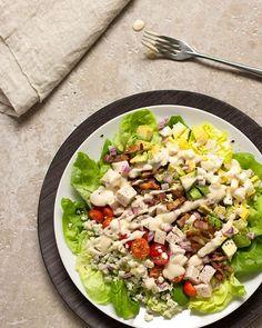 Classic Cobb Salad /