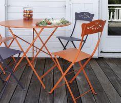 Mobilier pliant pour la terrasse, orange Paprika et violet Prune - table ronde Bistro et chaises Bagatelle