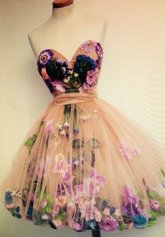 Unique prom dress I'm i love ❤️❤️