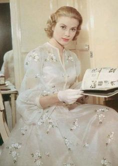 dress worn by Grace Kelly as Tracy Lord in High Society