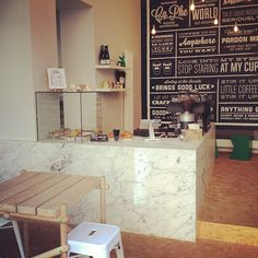 Can you imagine if we could afford an all pink marble counter? Coffee Shop, Coffee Cafe, Cafe Bistro, Cafe Bar, Menu Design, Cafe Design, Restaurant Design, Restaurant Bar, Coffee House Interiors