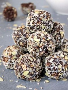 Healthy No-Bake Chocolate Energy Bites