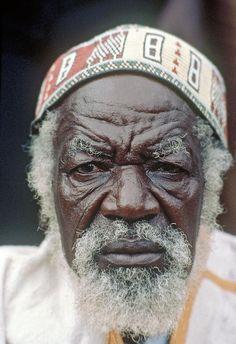 An elderly resident of Burkina Faso, hailing from the region on the southern edge of the Sahara.      Photo ID 56968. 01/04/1986. Burkina Faso. UN Photo/John Isaac. www.unmultimedia.org/photo/