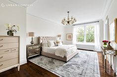 Bruce Willis' Central Park West master bedroom