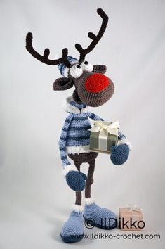 Amigurumi Crochet Pattern - Rudolf the Reindeer XL !This listing is for a crochet pattern and not a finished item! Rudolf the Reindeer XL: The pattern is very detailed and contains a lot of pictures. Rudolf the Reindeer has a wire frame. Crochet Amigurumi, Amigurumi Doll, Crochet Dolls, Crochet Patterns Amigurumi, Knitting Patterns, Crochet For Beginners, Stuffed Toys Patterns, Reindeer, Crochet Projects