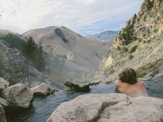 Guide to Idaho& best clothing-optional hot springs Hot Springs Arkansas, Idaho Hot Springs, Places To Travel, Places To See, Travel Destinations, Dream Vacations, Vacation Spots, Road Trip Usa, Wyoming