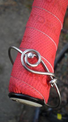 Bicycle Jewelry  Bicycle Spoke Bracelet by Winterwomandesigns Bicycle Crafts, Bicycle Art, Baseball Bags, Bicycle Spokes, Tire Craft, Recycled Bike Parts, Industrial Jewelry, Bike Chain, Recycled Jewelry